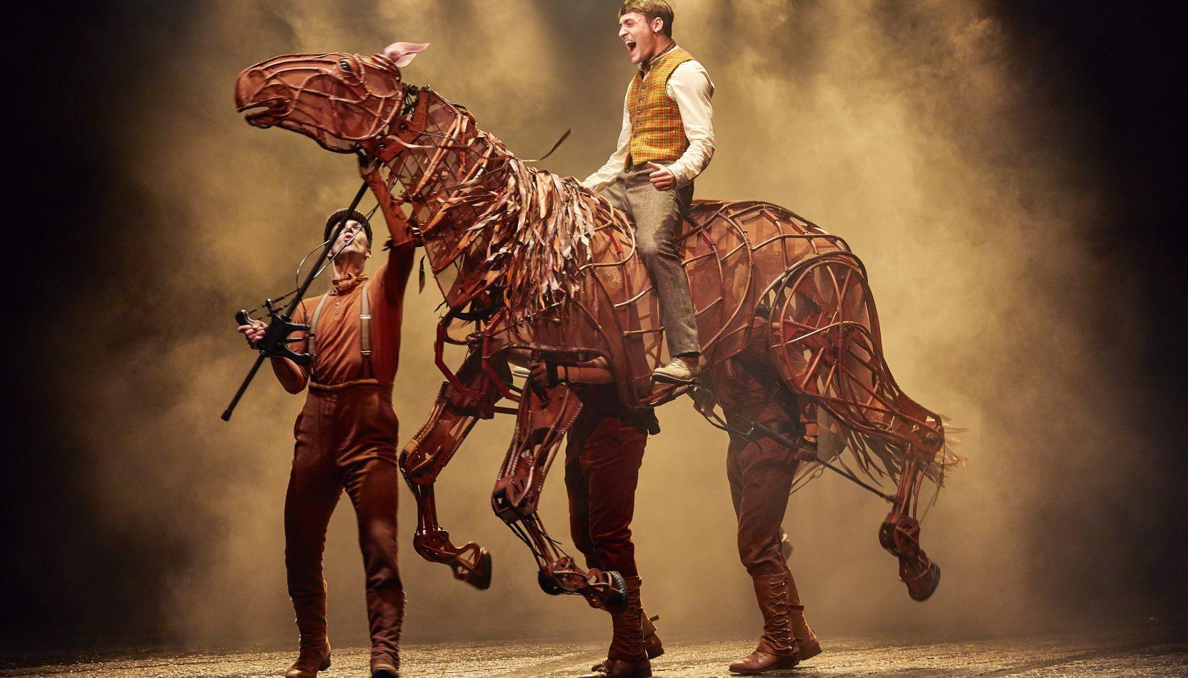 war horse, new victoria theatre, woking,surrey, theatre