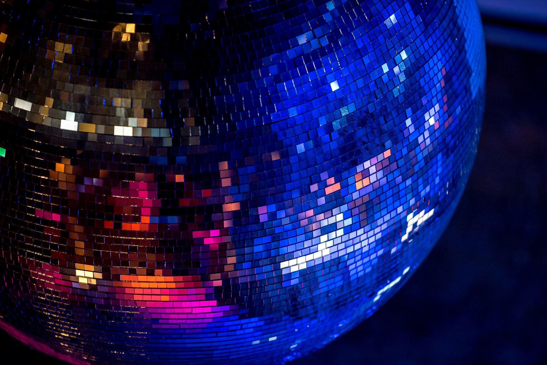 lucky dip disco, walton-on-thames, family events, riverhouse barn arts centre, fun, dancing