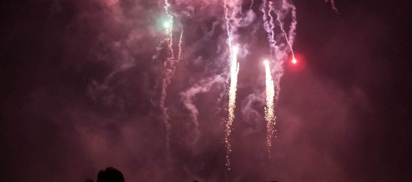 fireworks, fireworks night, surrey, fireworks surrey, fireworks Guildford, fireworks farnham, fireworks procession, fireworks winsor, fireworks ascot, fireworks esher, guy fawkes night november 5, november 6, November 2021, whats on, giuide to whats on, guide to surrey, guide to, guide to fireworks night, guide to fireworks in surrey this year, fireworks night in surrey, whizz, pop, bang